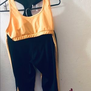 Women's 2 piece exercise outfit